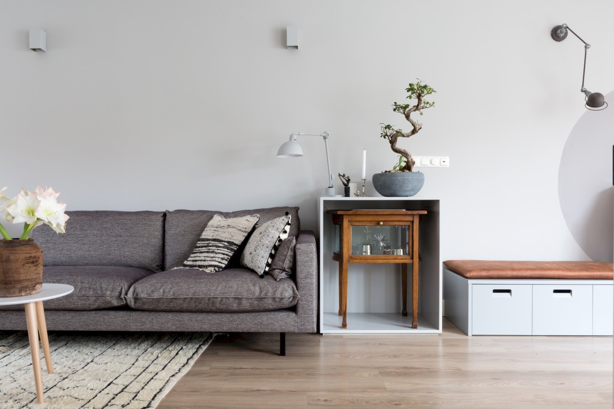 https://static.woninginrichting-aanhuis.nl/site/storage/files/4287/vtwonen_amstelveen_vj2018-1_bank_1.1200x799.jpg